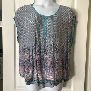 Pretty Gray Paisley Lightweight Summer Top 3X